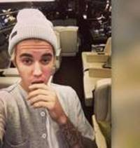Justin Bieber to walk out with Floyd Mayweather for Pacquiao bout